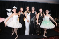 (From left) Linda Fung, Flora Zeta Cheong-Leen, Catherine Kwai& Winnie Fung and dancers